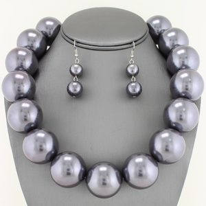Jewelry - Gray 30mm Pearl Necklace Set